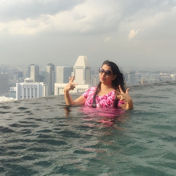 #holidayfun #singaporediaries #march2017 #swimmingpool on56thfloor #thrilled #adventure 🏖#lovetravelling 🤗 #uniquepiece #travodiaries 🌏