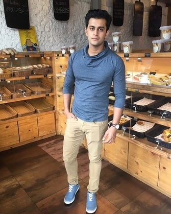 A dayout after ages...feeling rejuvenated and relaxed...psyched and ready to go back to work...#dayout #rejuvenation #feeling #loved #positive #secret #happiness #love #peace #instaactor #instamodel #grey #tshirt #chinos #canvas #shoes #look #casual
