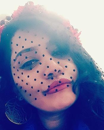 Guess if it's a filter or make up ??  #happyhalloween #dea #pout #sugarzzzz #gujaratiinlondon #gujarattoglobe #artist