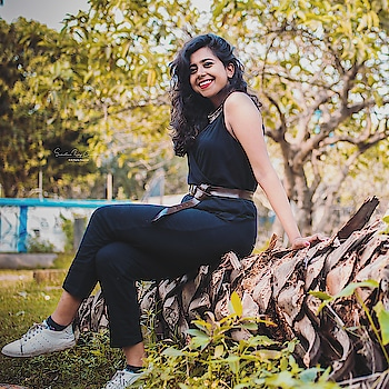 #photography #streetstyle #streetphotography #fashionblogger #fashion #styleinspiration #portrait #picoftheday #wiw #outfitoftheday #outfitinspo #black #blogger #streetsofindia #kolkata #cityofjoy #kolkatablogger #browngirls #kolkatafashionblogger #longlegs #insta #instagood #instadaily #instamood #instablogger #influencer #trending #happiness #smile