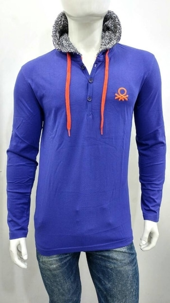 👆full sleeve T-shirt  with hood  Brand - *UCB baneton*  Fabric - *100% cotton bio wash*  Size -  *M L XL*  Price single *750* rs  only rth