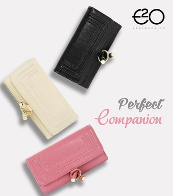 A stylish accessory to carry your precious belongings! #E2oFashion #Instafashion #fashionblogger #accessories #wallet #stayfashionable #fashion