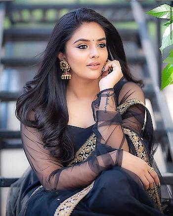 #sreemukhi #anchor #srimukhi