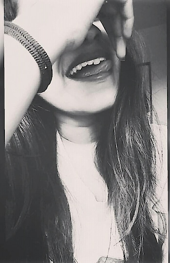 Sweet as sugar😋 Cold as ice 💙 Hurt 😏 me once, I'll break you twice👊😂 . . #happysouls #oldpic😊 #positivevibes #happilyalone #foreverhappiness #happysouls #positivevibes #beyourself❤️ #beingrealgetsyouhated #smileitout #makethemjealous💯 #messyhairdontcare #lovebeingme❤️ #betruetoyourself #selfobsessed #lovetobeme #positivevibes #beingrealgetsyouhated #instadaily #Instagram #instapic #instafam #bloggerstyle #blog #tbt #likeforlikes #followforlikes