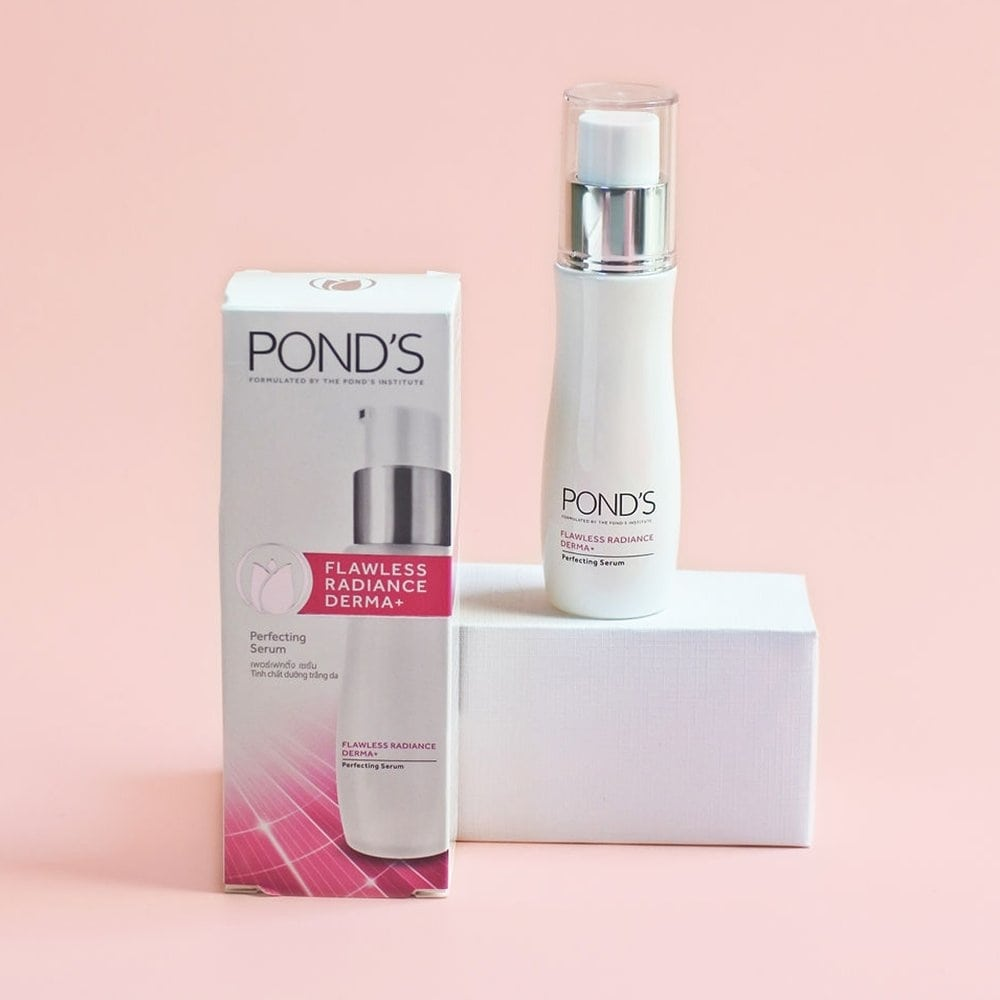 Add our serum to your skincare routine for spot-less, pore-less, luminous skin. Try the Pond's Flawless Radiance Serum and tell us what you think! 💕 #Ponds #PondsIndia #PondsFlawlessRadianceSerum #Skincare #Beauty