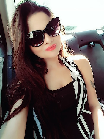 #sunglassesselfie #sunglasses #hyderabadfashionblogger #hyderabaddiaries