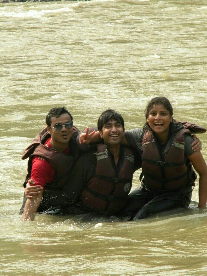 Remember when we were 27.. and life was so much more fun? we used to fight at work and work it out while #riverrafting!! L&T was fun too.. in retrospect #throwbackmemories long back...