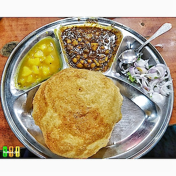 My Breakfast was better than yours ! . . KANHAIYYA (KANHA) SWEETS, located at Lawrence Road, Amritsar is just mindblowing. Whenever you are in Amritsar you should try their CHOLLE PURI. The restaurant serves only Cholle Puri in 80 INR with unlimited Cholle, Aaloo Sabjee and Salad. You'll love the Aaloo Sabjee as it's made up of raw mangoes and jaggery. The Puris are crisp and very light as they are less oily. You cannot miss eating here ! . . ❓CHOLLE PURI 📌 KANHAIYYA (Kanha) Sweets, Lawrence Road, Amritsar 🚩10/10 . . . ____________________________________________ . Follow me @theultimate_foodie Follow me @theultimate_foodie Follow me @theultimate_foodie Follow me @theultimate_foodie . ____________________________________________ . . . . . . . #delhi #delhifoodie #delhi_igers #delhigram #delhi6 #delhighted #delhi_gram #delhincr #delhidiaries #mumbai #mumbaifoodie #mumbai_igers #mumbai_ig #delhifoodblogger #newdelhi #pune #punefood #punefoodie #delhiwale #food #foodporn #foodie #food52 #foodgasm #foods #foodphotography