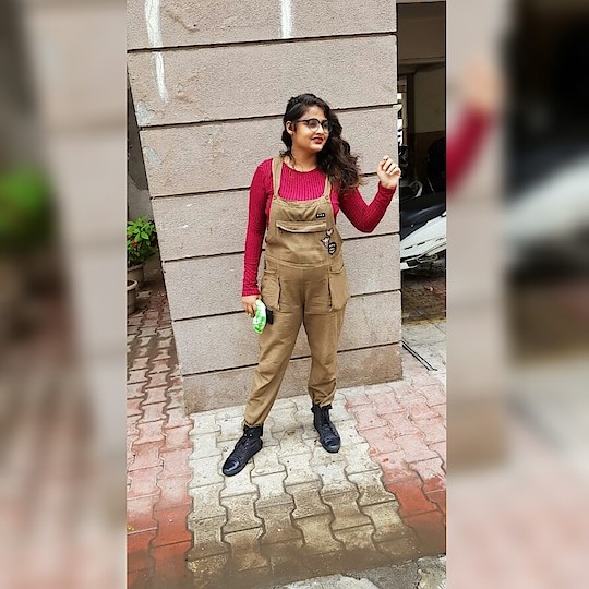 An Outfit,when you want to make your enemy jealous😂 Did it work? Hell yeah!!! 😋😉   #dungaree #overall #ginger #armygreen #blackboots #shoeslove #bydimpeepalrecha #bydimpeebhandari #beYOUnique