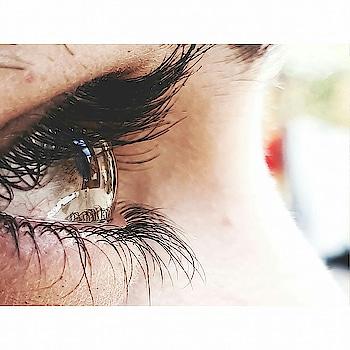 Eyes speak louder than words.. #eyes #eye-makeup #eyeliner #eyemakeup #girlpower #powerful #words #me #made-by-me #shoot #shootscenes