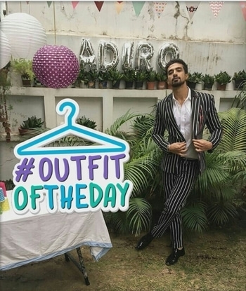 Can you pull off an all #stripes and #monochrome #suit like #SaqibSaleem can??  Didn't think so! 😉😉  #MensFashion #MenOnRoposo #celebrityfashion