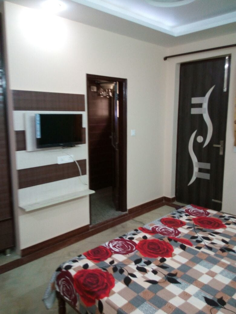 Fully furnished Branded PG for Girls in Gurgaon. with all Required Facilities.  Interested Person Call me 9716552300 Harender Singh