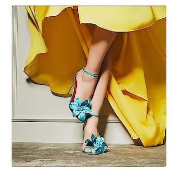 We're dreaming of bright hues and floral shoes #HGSAYS  at carolinaherrera  #CHshoelove #shoes #trend #floral #blue #color #fashion #luxury #trend #havihsaaglobal #instagram #love #shoe