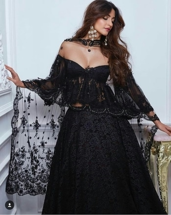 Sonam Kapoor Outfit-Shehlaa Khan Earrings-Anmol Jewelers Hair & Makeup-Namrata Soni Styled by-Rhea Kapoor