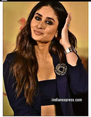 #black #bra #jacket #kareenakapoorkhan at #veerediwedding #trailer #launch #filmistaanchannel