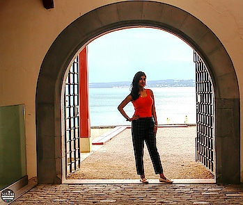 😉 Your Vibe Attracts Your Tribe😉😎🙋‍♀️❤ #anamikachattopadhyaya # summerthrowback #travelinstyle  #nbamtravels. . . IN FRAME 📸 : Chateau De Nyon Castle Gate, Nyon, Switzerland #naturalbeautyandmakeup  . . . A pic of mine with the Lake Leman (Lake Geneva) in the background 😜🤗 The lake is not visible here  in this pic but trust me, this castle offers stunning views of lake Geneva, France and the surrounding area😍☺ I shall write about it in detail very soon, stay tuned ❤ #lakegeneva #nyon . . My Outfit Details: . Top 👕: @shopperstopindia__  Trousers👖: @mango Hong Kong   Shoes👠: @zara Hong Kong  . . #switzerland #picoftheday  #travelpost  #comingup  #travelwithme  #casualstyle  #ootdfashion   #lifestyleblogger    #travelblog  #styleblogger  #fashiongirl  #stripepants  #lakeview  #mountains  #roposotravel  #gate  #museum  #backyard  #poser  #discoverunder5k  #holidayfun #roposotraveldiaries