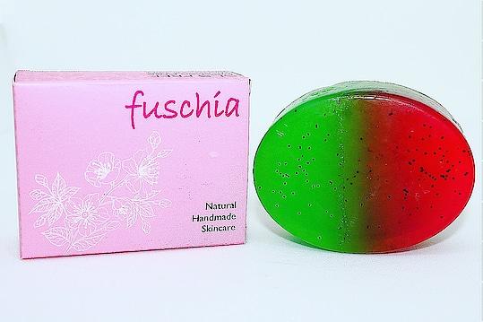 #Fuschia #natural #handmade #SlSfree #parabenfree #phthalatefree #mineraloilfree #watermelon #soap #madeinindia #skincare #chemicalfree #crueltyfree #nottestedonanimals