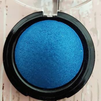 Texture Shot of Swiss Beauty Eye Shadow in the Shade Royal Blue 👁️🗨 . . . . . . . . . . .  @swissbeautycosmetics #makeupadda  #texture #textureshot #closeupphotography #closeupshot #indianbeautyinfluencer  #indianbeautyblog #contentcreator #eyemakeup #bangalorebeautyblog #eyeshadow  #blue  #socialmediainfluencer #indianinfluencer #swissbeautycosmetics #bangaloreinfluencers #indianbeautyblogger #blueeyeshadow