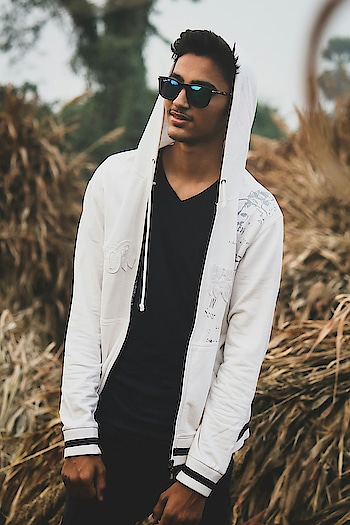 HELLO FOLKS! . #men-fashion  #styleblog  #blogger  #fashionmodel  #model  #studs  #portrait  #sexymen  #men-looks  #ootdindia  #ootdmen  #goggles  #danielwellington  #denimlove  #fashionblogger  #blogging  #love  #look  #ropo-love