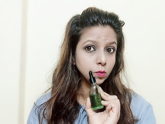 Looking for a Good Hair Repair Serum with Natural Ingredients.. . . .  Then check out my Review on Natural Vibes Tea Tree Hair Repair Serum 😉 . . . . . Link below 👇 http://bit.ly/2G5J5JO . . . . .  #haircareroutine #hairserum #haircare #naturalingredients #productreviewoftheday #productreview #serum #indianblogger #NaturalVibes #teatreeskinserum #indianbeautyinfluencer #indianreviewblog #indianbeautyblog #instabeautyblogger #instahair #makeupadda #Bangalorebeautyblog #bangalorebeautyinfluencer