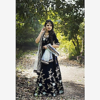 Elegance is beauty that never fades 🌸 Take a look at this beauty in the woods, wearing navy blue velvet lehenga with a hint of pastel work!  Rent this look for your wedding festivities only at www.rentanattire.com  #lehenga #designeroutfits #rentyourlook #rentanattire #weddings #bridesmaids #weddinginspiration #weddingdress #weddingbells #fashiononrent #fashionphotography #beauty #dehradun #delhi #pune