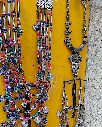 Not all that glitters is gold and not all that's supposed to be junk is to be thrown. The concept of Junk Jewelry 😍 #roposo #fashion #be-fashionable #fashionables #fashionation #soroposofashion #roposofashionblogger #roposofashiontips #junkjewellery