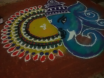 I create this rangoli on Diwali at my house  .. 😍😍😍😍  #rangolichannel #rangoli #roposo-happy-diwali #roposo-diwali #roposo