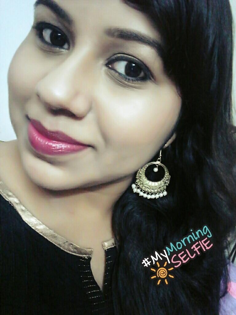 Last day of February! Just flew like that... . .  #photooftheday #selfie #selfieoftheday #selflove #blackdress #blackloverforever #redlips #maybellinecolorshow #maybellinelipstick #makeup #makeupoftheday #ethnic #chandbali #indianblogger #fashionblogger #makeupblogger @maybellineindia #mymorningselfie