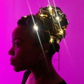 #illuminate #fashiontrends #hair #ledlights #shinning #art #fashion #model