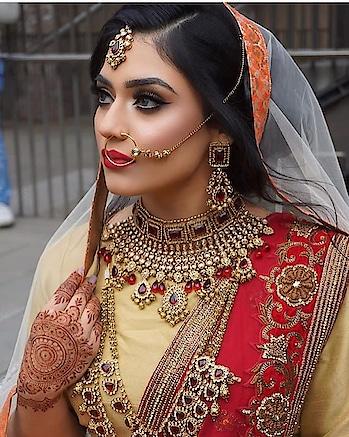 #indian-mehndi  #indianbride  #weddding  #indianweddingfashion #bridal-jewellery  #saree-in-new  #indianculture