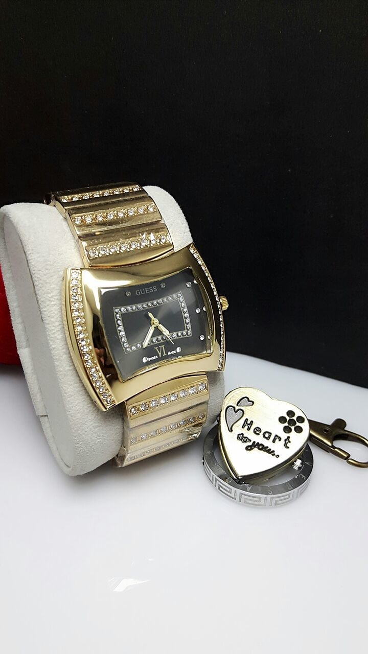 Pick any watch 900rs FreeShipping To buy Message at 9920623235