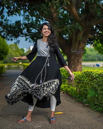 #kolkata #kolkatadiaries #kolkatafashionblogger #kolkata_igers #igdaily #igers #summeroutfit #portrait #photographer #photography #kurti #black #trending #influencer #instadaily #instablogger #indianethnic #indian #wonderlust #trending #travel #adventure #grateful #positivevibes