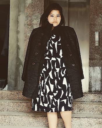 Flaunting this beautiful dress from @lifestylestores as my #ThursdayThrowback post  #hercreativepalace #delhi #india #fashion #blogger #kanikasharma #shoot #throwback #winters #clicked #black #white #fashionshoot #fashionable #hcpkanika ❤️💓
