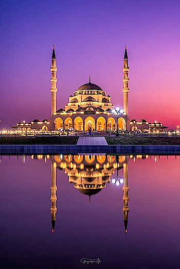 beautiful Sharjah Mosque