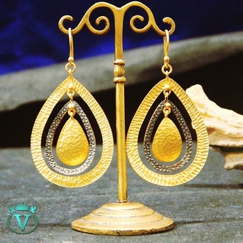 Heavy Discount on this Raksha Bandhan Flat 60% Off on All kinds of jewelry Two tone plated Handmade Earrings,  with glod plating and Black Rhodium  For more information visit : www.thevcollection.in #jewelry #fashion #beautifuljewelry #earrings #bangalore #delhi #handmadejewelry #mumbai #chennai #gurgaon #bangalore #delhi #handmadejewelry #thevcollection