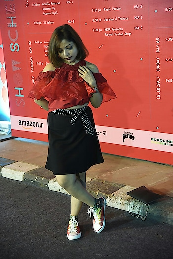 #throwback of #aifw wearing @lazyjojo shoes  #fashionblogger #reviewblogger #outfitpost #ootd #lotd #motd #hairdo #hairdoingeetanjali #lovemywork #shiwangishrivastava #fashiontwistturns #passion #brandedshoes #shoesoftheday #deep #ropo-girl #girls-enjoy #reviewer #shoegoals #shoot #shootings