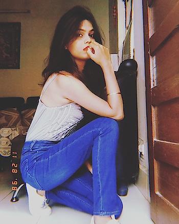 Denim Love. . . . . . . #fashion #fashion_designing #be-fashionable #fashionblogger #indianblogger #blogger #ropo-love #roposo #casual #ootding #followers #followme #f4f #kpop #roposo-styl #fq