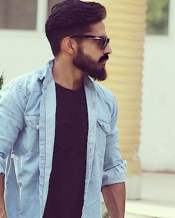 #fashionbloggermumbaiblogger #roposo-fashiondiaries #soroposotalks #roposo-makeupandfashiondiaries #roposo-style #beard-model #modelshoot