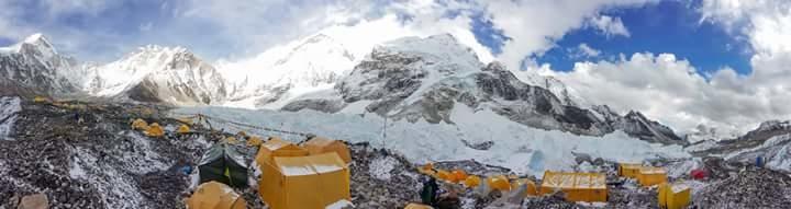 Everest Base Camp!! #mountains #everest2017 #everest2017 #ebc2017 #ebc #himalayas #snow #adventure #adrenaline #travellife #travel-love #wanderlust #wanderer #nepaldiaries #nepal #mounteverest #storyteller