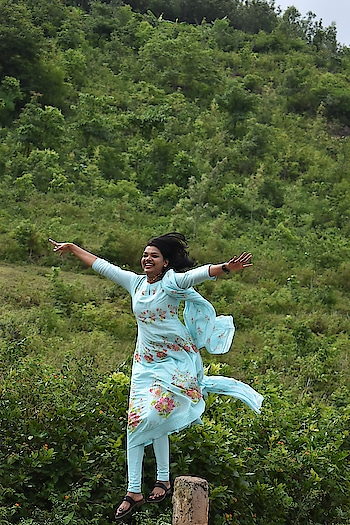 #tryingtoflyhigh #roposoblogger #roposolove #roposogirl #vizagdiaries #arakuvalley