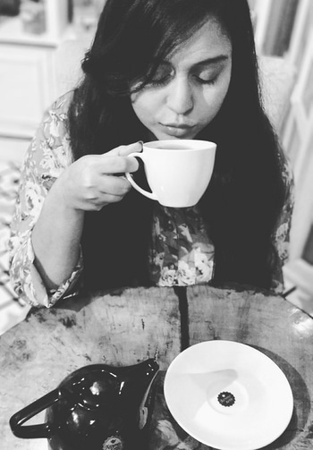 I'm a tea person .. I have always been so ..   Here is me indulging into some delicious tea - The Nightingale at Karma Kettle ..  It a beautiful blue colored tea (yes it's BLUE) made from white tea infused with Jasmine and Butterfly Pea Flower ( Banglay - Aparajita Phool ) ..   Serving a wide array of Tea, this Tea Room strategically loacted on Swinhoe Lane totally won my Heart ..   #DineDazzleDive #KarmaKettle #Tea #TeaRoom #FoodBlogger   PC : Luna Chatterjee
