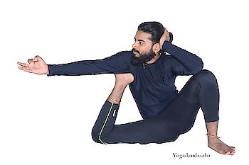 #Yogadandasana Yogadandasana  #CAUTION ✓PLEASE CONSULT YOUR YOGA TEACHER BEFORE PRACTICING ANY ASANAS IF YOU ARE BEGINNER. ✓TRY ALL POSTURES UNDER GUIDANCE OF YOUR TEACHER. (AND ENJOY THE BENEFITS)  #BENIFITS •strengthen spine cervical thighs and arms •strengthen shoulders nice spine and cervical •works very good role in arthritis and joint pains •improve flexibility in concentration by practicing regularly •good for flat foot and gout  #gout  #flatfoot #ASANAS #DAILYYOGA #BANGALOREYOGA  #indiayoga #yogaposes #yogalover  #yogaadvice  #ojasyogaacademy #yogabandhuprashanth  #yogalover #yogaflow  #instasmile #mistress #instahealthy #yogabody