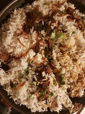 Mushroom 🍄 biryani 🍚 #HisnewExperiment #Deepskitchen 💑 #loveforcooking #M&Ddairies #foodlove #makingmemories #Diwali dinner #HappyTihar #happyDiwali #festivaloflights#mushroombiryani