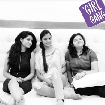friends are like blessing 😇 #throwbacktothebestdays  #soropso😃😃 #girlgang