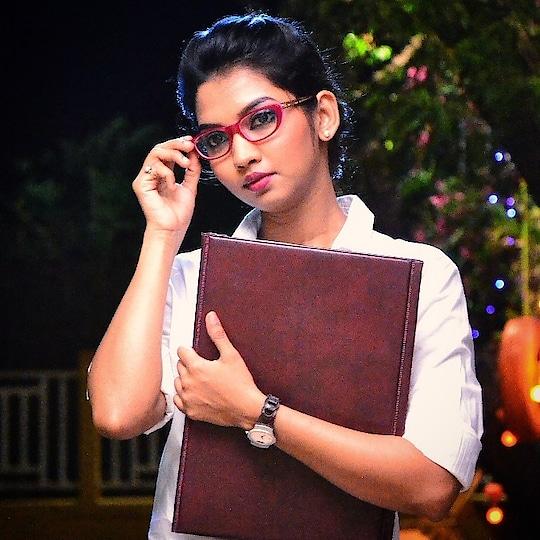 Sometimes all you need... Is a new perspective... Spec-tacular #dildostidobara #zeemarathi #serial #marathiserial #spectacular #spectacles #spec #specs👓 #specs #jonita#dildostidobara