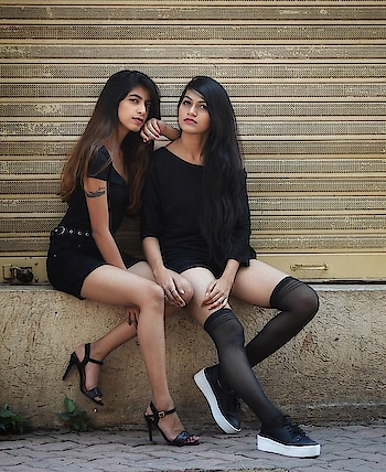 Twinning game strong with my babe @radhikajagtap ❣️ Behind the frame : @ajayyparmar .  #thehetalgada #twinning #black #blackoutfit #blackonblack #styleupindia #outfitoftheday #outfitpost #fitnessindia #scenic #blacklook #lookbook #photography #shootday #twinningiswinning #twingamestrong #twingirls #outfittwins #ropo-love #ropo-good #ropo-style #roposogal #roposo-style