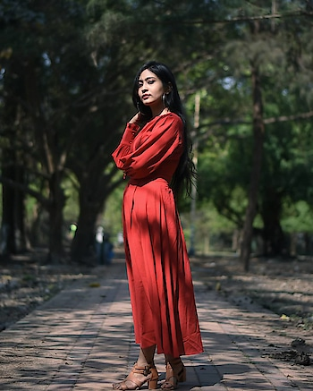 It was her chaos that made her beautiful 🍁  #kolkatafashionblogger #sheingals #sheininspo #sheindress #sheinofficial #bishopsleeve #reddress #forest #woods #lostintothewoods