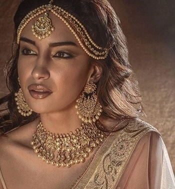 Pure #Gold #goldjewellery #bridal #makeup