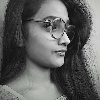 #M.O..👓 #ThursDay 🔖 #i4i #f4f #s4s #moody #swaggy #obssessed #blackandwhite #vision #pretty in #goggles 👓😉 #belike ❕ #RopsoGirl 👩 #Roposo ..