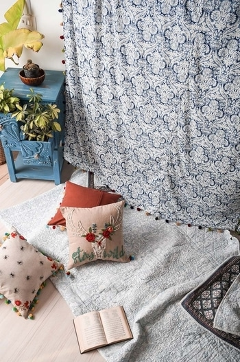 Convert that cozy little corner into a dreamy one for lazy weekend! Shop home decorhttp://bit.ly/2rXYgtd #homedecorating #homedecor #homedecortips #wallhangings #cozy bedroom #summerhomes #lazyweekend #vajor